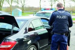 benjaminnolte - Fotolia.com (Polizeikontrolle)
