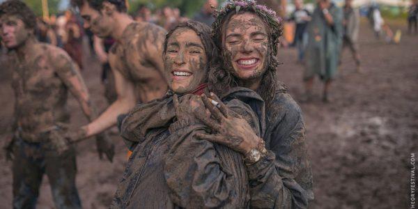 q_festival_mud_01