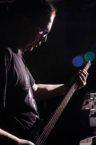 Alpha mit Bass
