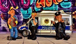figuren polizei kontrolle